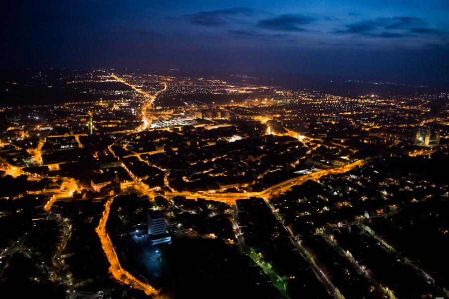 Légifelvétel Pécs belvárosáról 2014. november 22-én.