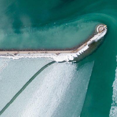 A befagyott Balaton a Siófoki kikötőnél 2018. március 11-én.